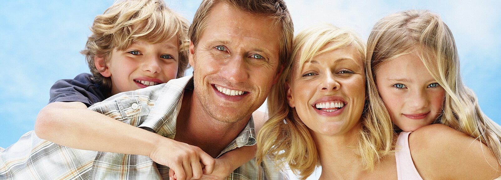ideal-dentistry-family-portrait